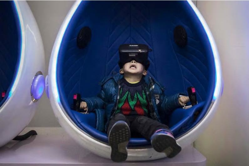 Read more about the article VR Entertainment: Set to Save the Movie Theatre and the Mall  | Guest Post by Charlie Fink