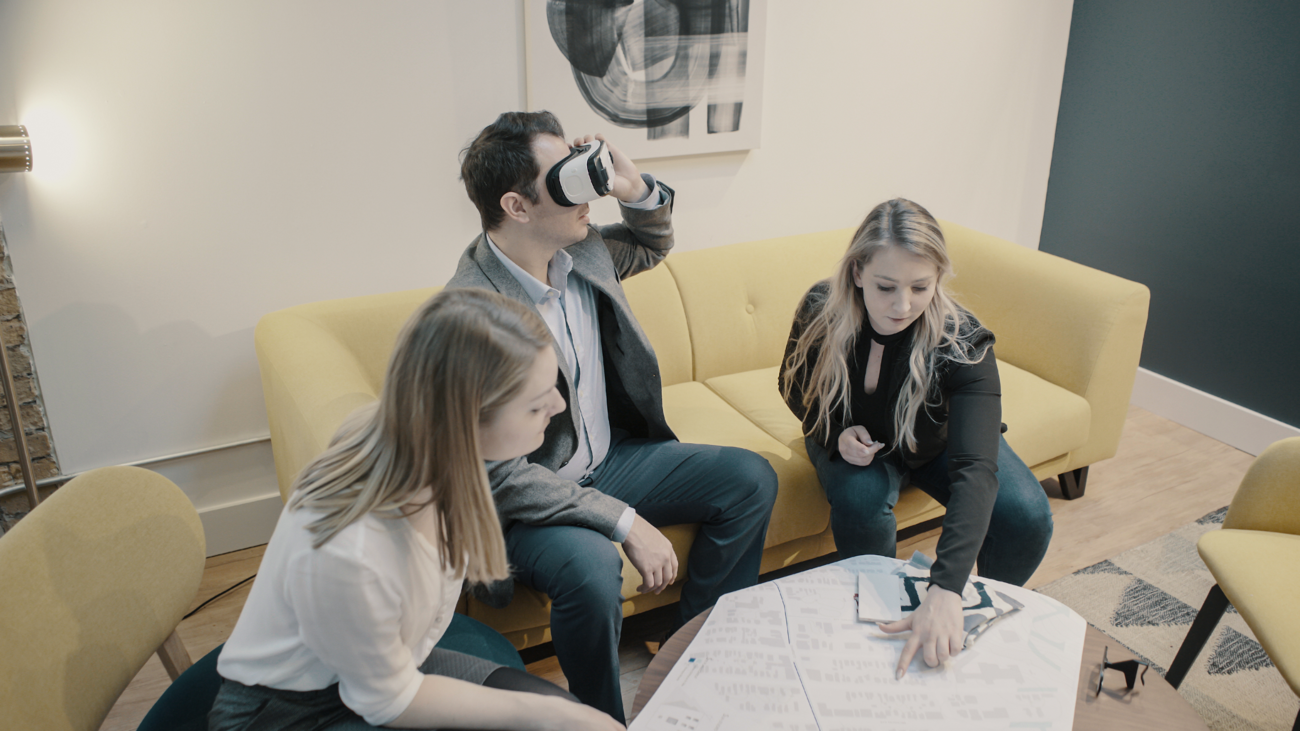 Read more about the article VR Experience: The First Time Experiencing VR